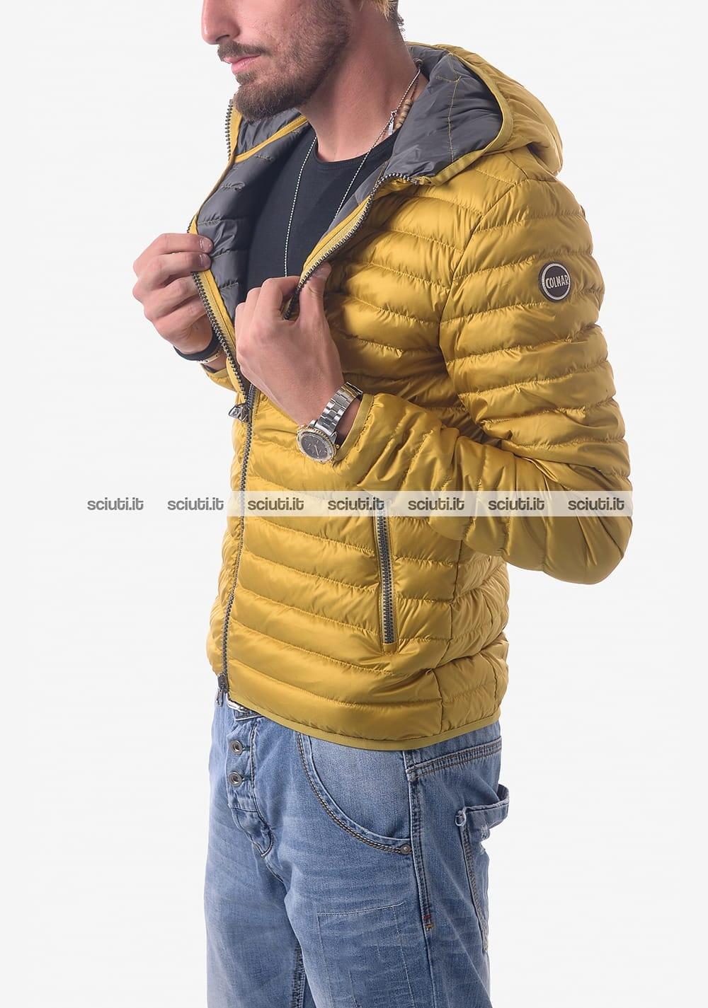 Piumino Uomo COLMAR con cappuccio fisso Colore Giallo.