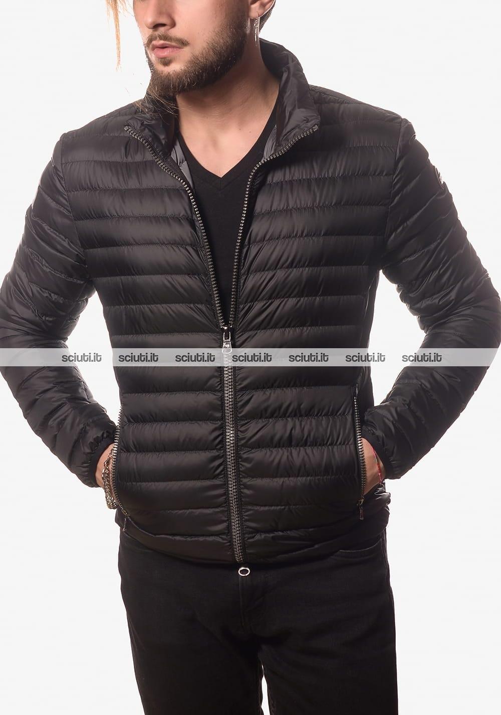 Piumino Colmar uomo leggero semiopaco senza cappuccio nero