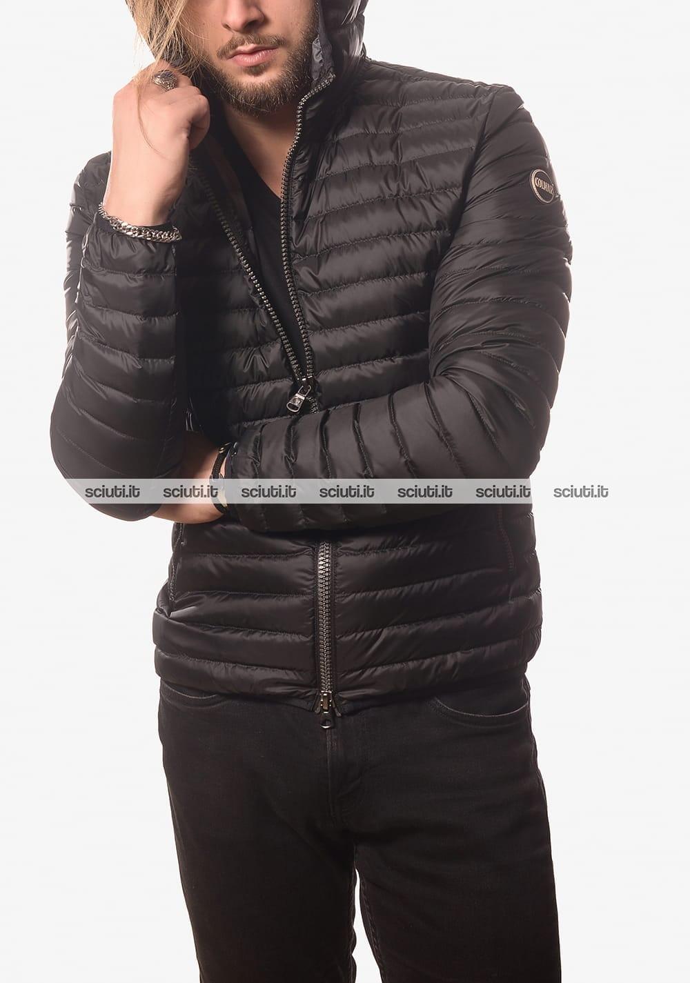 Piumino Colmar uomo leggero semiopaco con cappuccio nero
