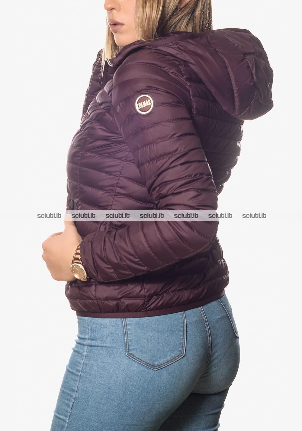 promo code 11b9b e1f7b Piumino Colmar donna leggero con cappuccio prugna