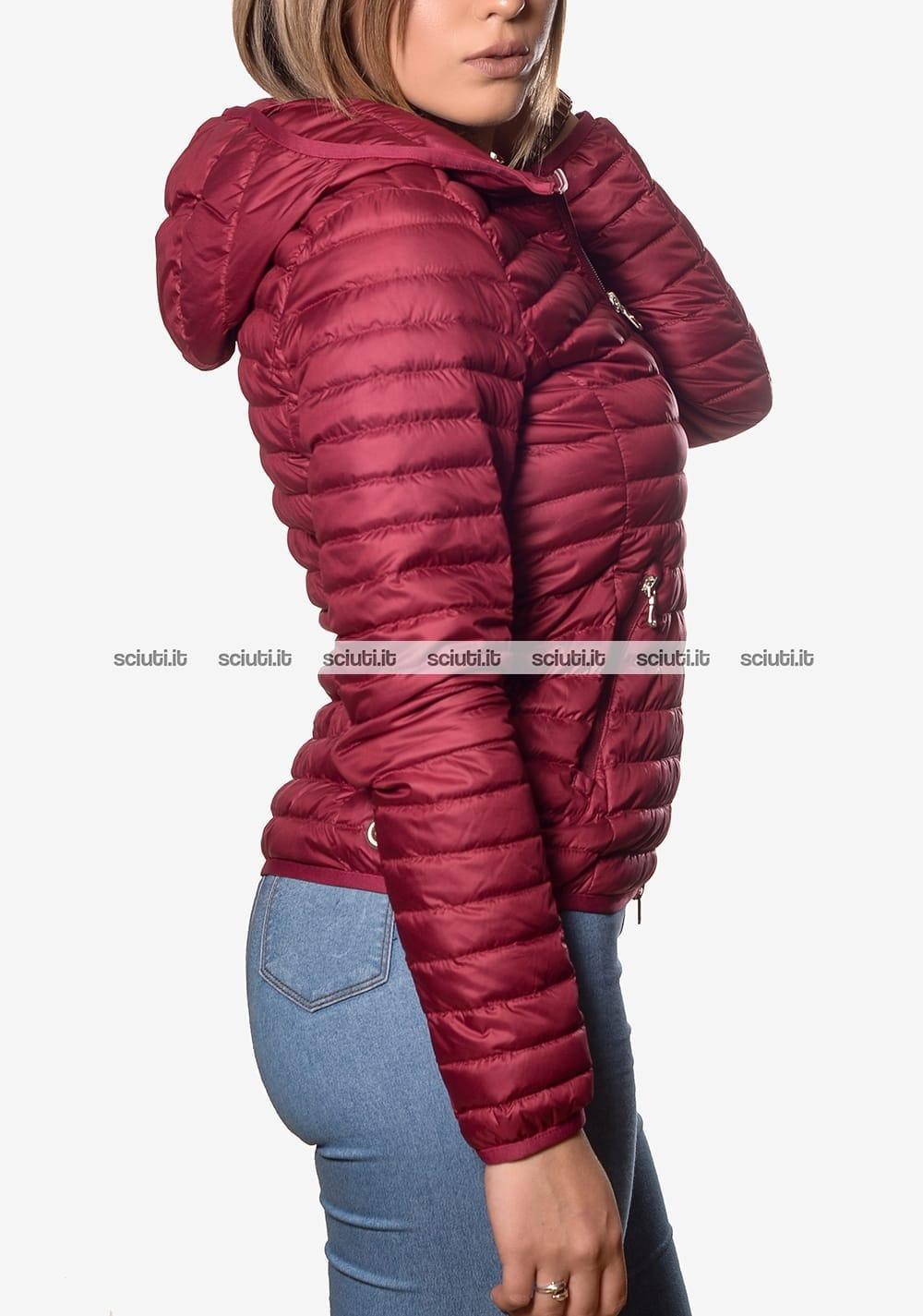 save off 98852 dd92a Piumino Colmar donna leggero con cappuccio bordeaux | Sciuti.it