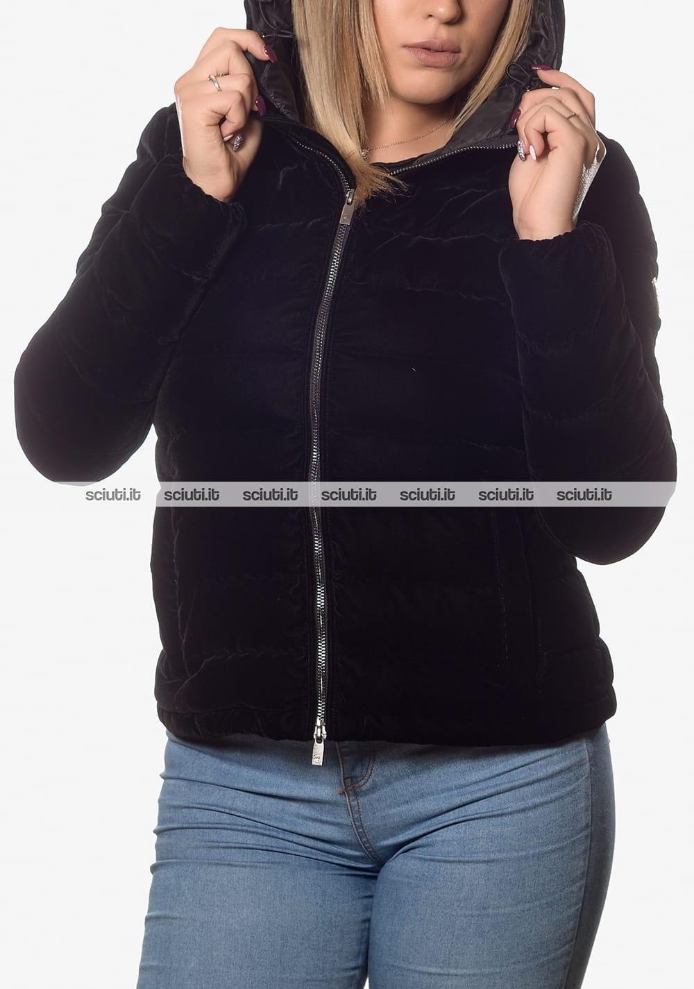 big sale be85d fe2b2 Piumino Ciesse donna Celia velluto con cappuccio nero