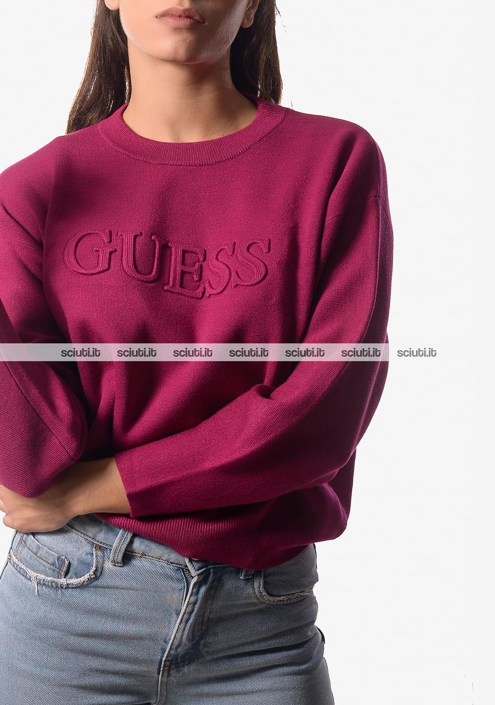 4b19f97d17 Maglia crop Guess donna logo in rilievo prugna | Sciuti.it