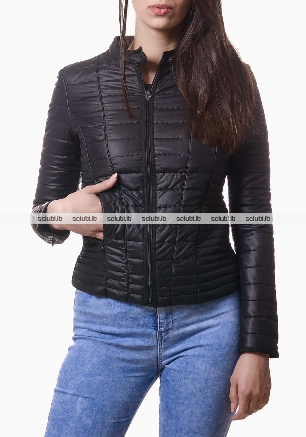 sale retailer 2ea59 d2444 Piumino Guess donna trapuntato nero | Sciuti.it