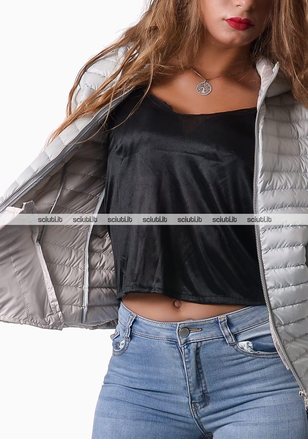 Piumino Colmar donna leggero con cappuccio ghiaccio | Sciuti.it