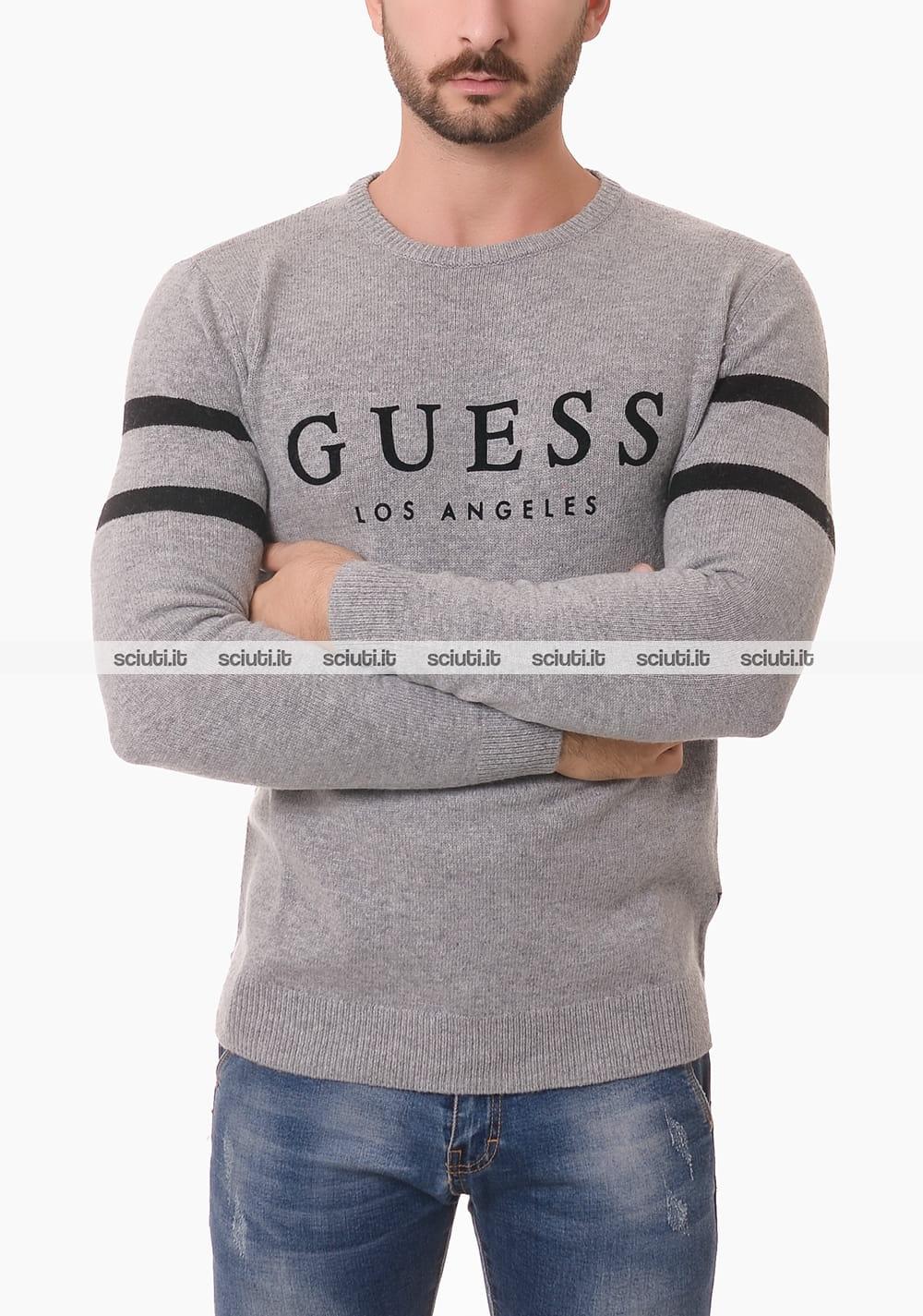 Maglione Guess uomo grigio righe logo in contrasto | Sciuti.it