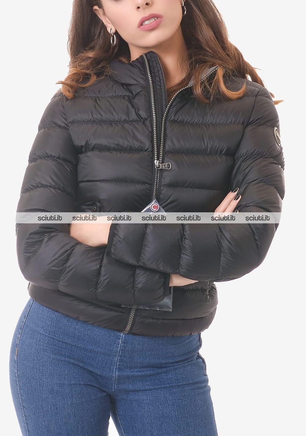 Piumino Colmar donna nero pesante corto con cappuccio